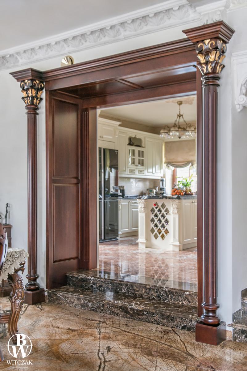 Portal - przejście, rzeźbione, czereśniowe złocone